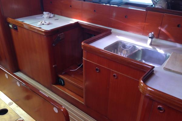 Varnish Brightwork interior finish